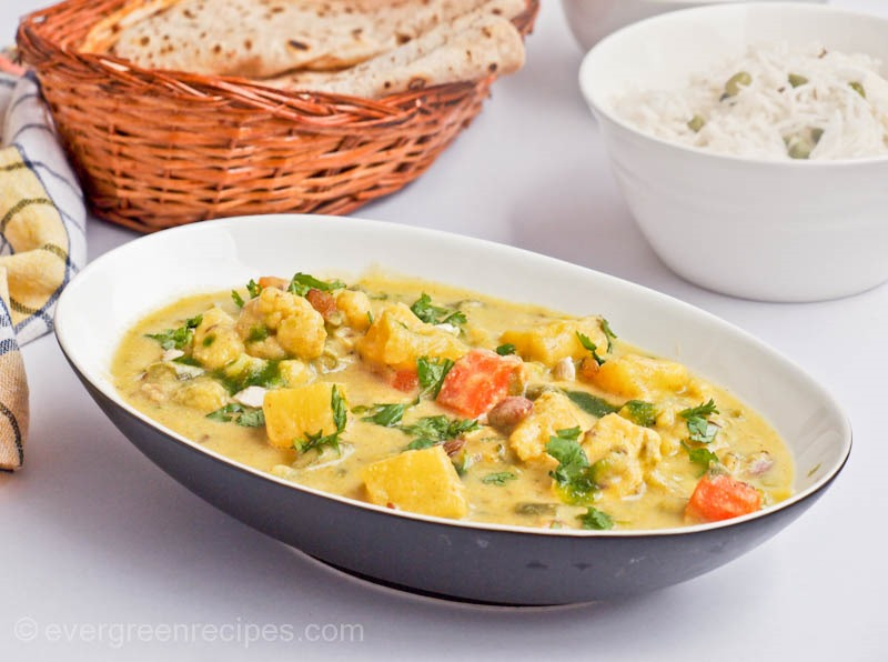 Veg navratan korma recipe with step by step pictures forumfinder Gallery